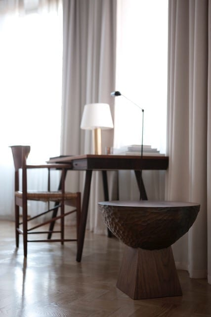 La Table d'appoint SKS01 par Louise Liljencrantz - The Invisible Collection