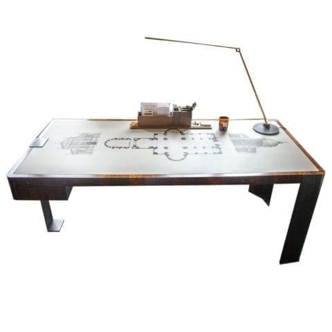 Paris Desk