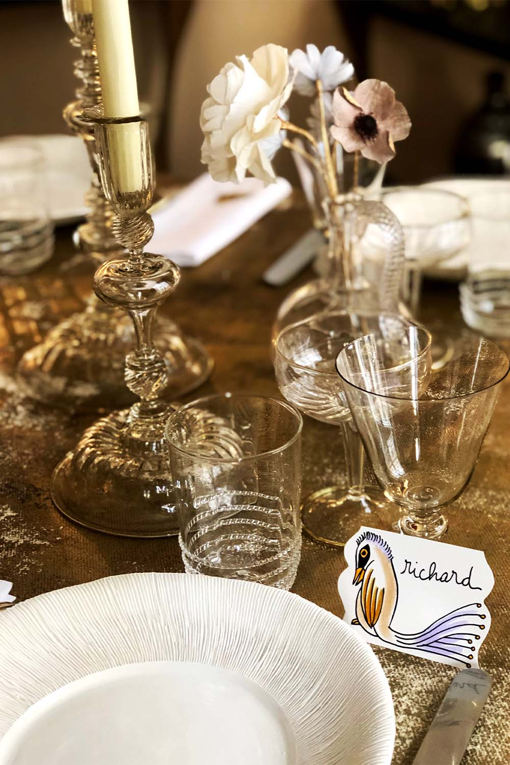 The Invisible Collection Christmas Dinner Set for 12 Diner en Ville