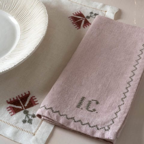 Set of Rosewood Ottoman Carnation Placemat with Napkin